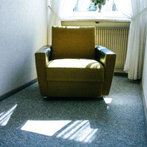 apartment-carpet-chair-105004